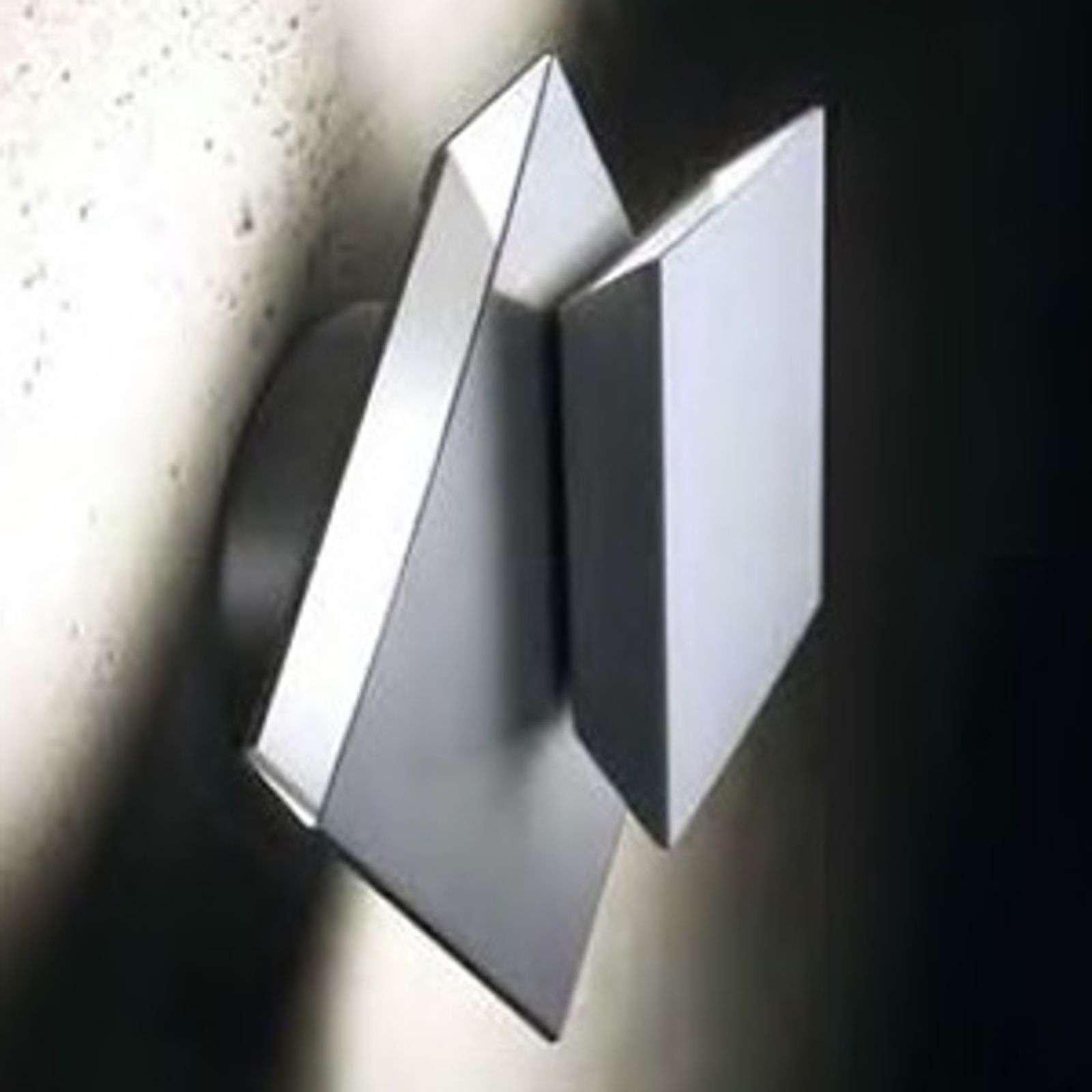 Applique a LED Cubic in stile futuristico